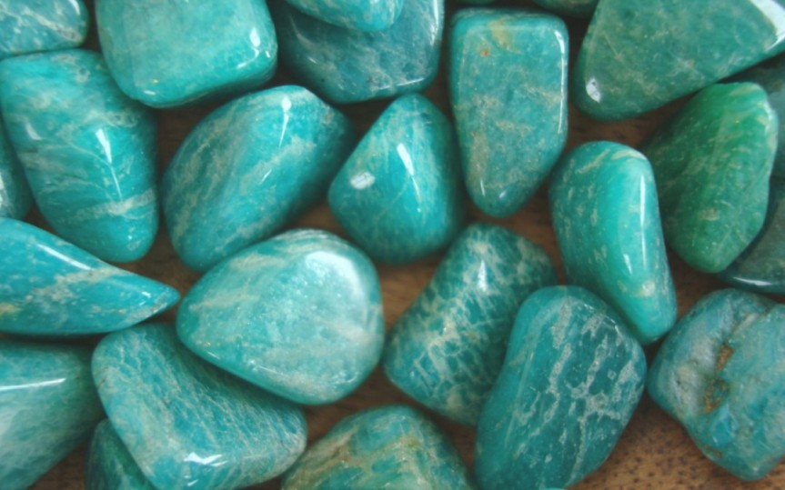THE STONE OF PERFECT EXPRESSION:AMAZONITE