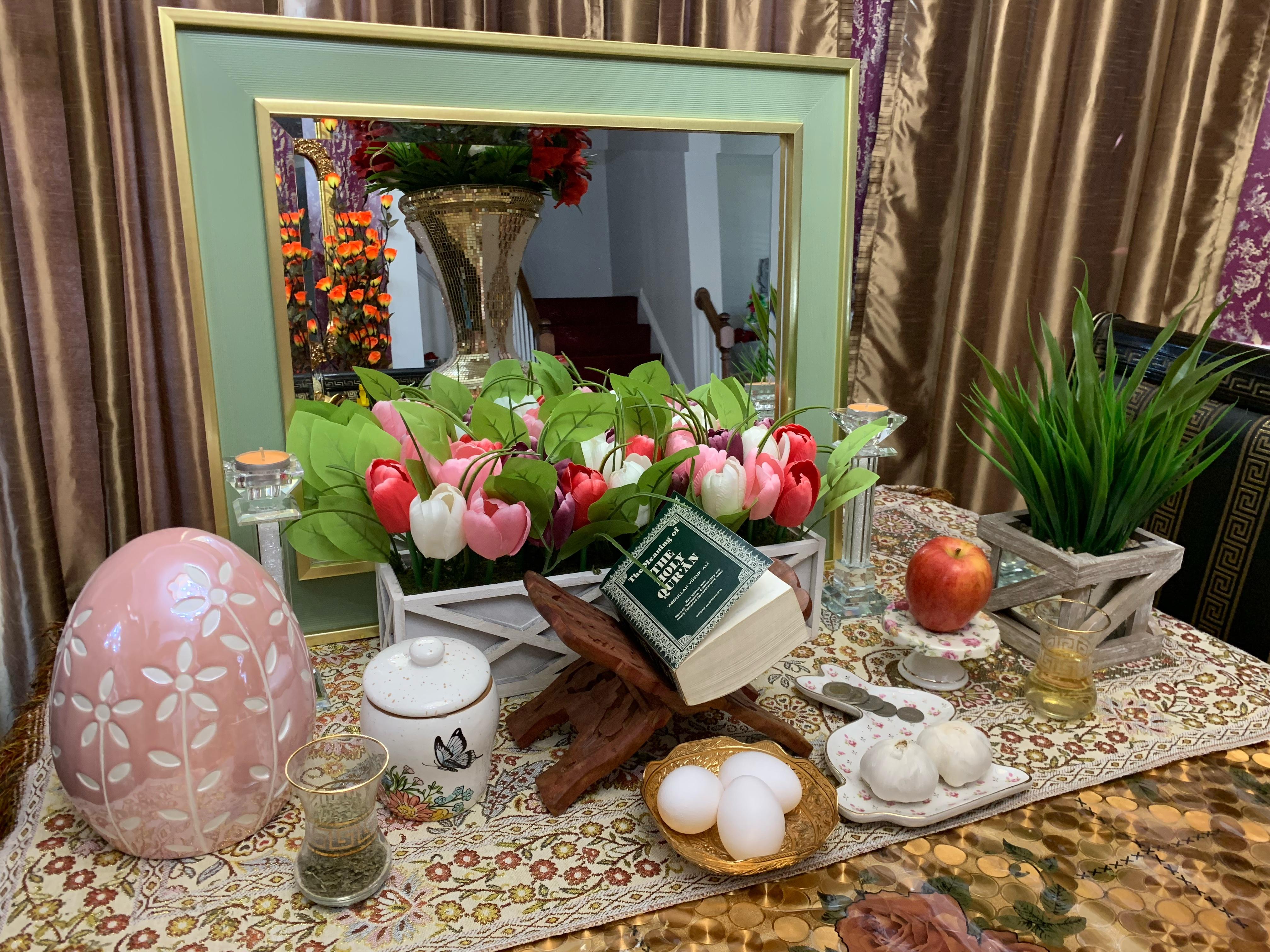 Haft-Sin table